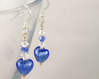 Murano glass heart earrings in Sapphire